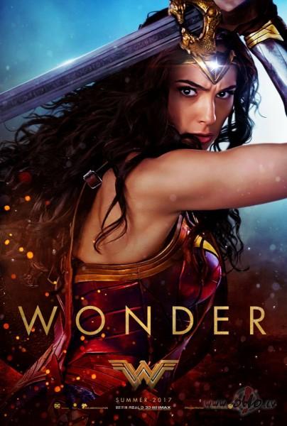 Filmas Brīnumsieviete plakāts