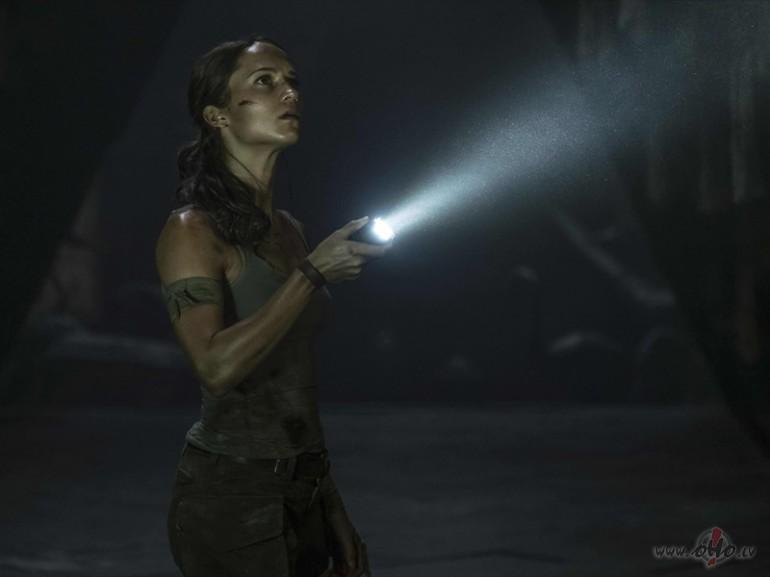 Filmas Kapeņu izlaupītāja Lara Krofta 12 - attēls no filmas