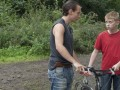 Zēns ar velosipēdu foto 1